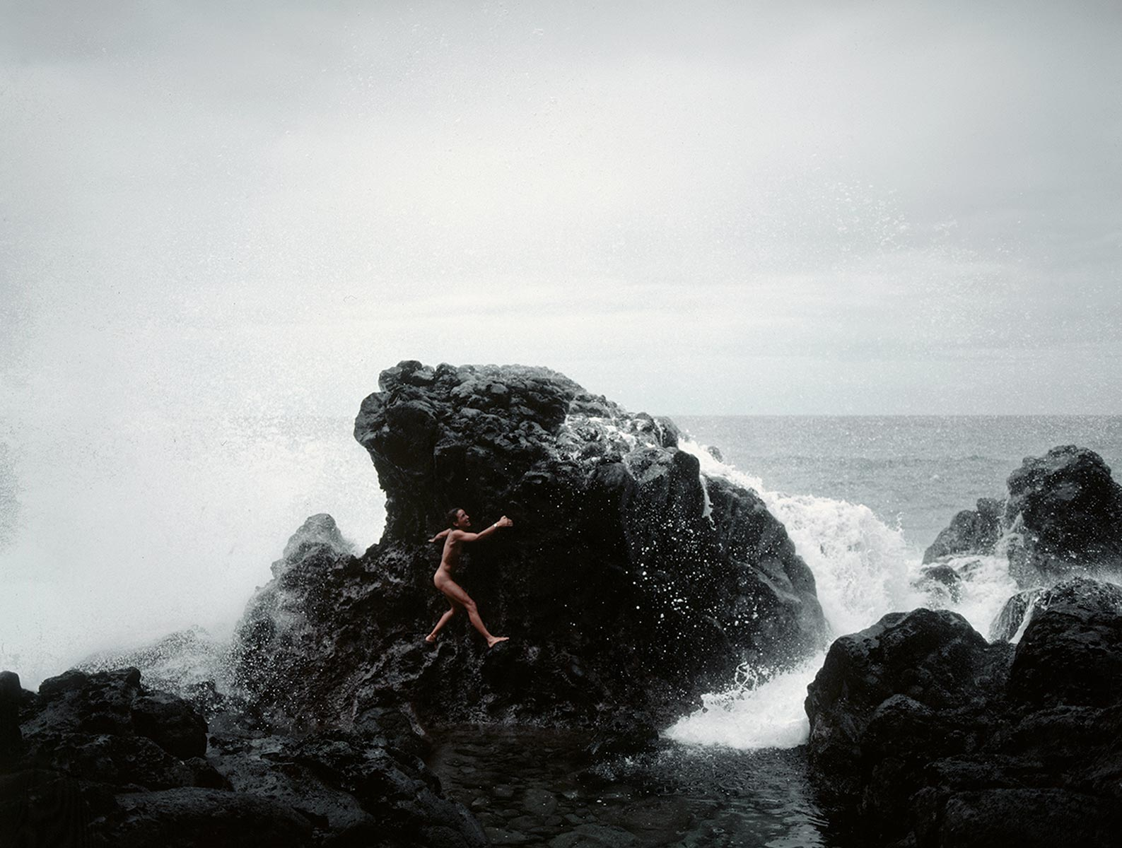 audrey_rocks_wave_maui_1